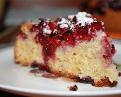 Пирог с вишней на кефире — сочный и ароматный!